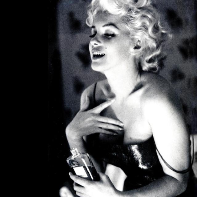 Istoria parfumului: de la răşini şi ierburi aromate, la picătura de Chanel No. 5 (II)